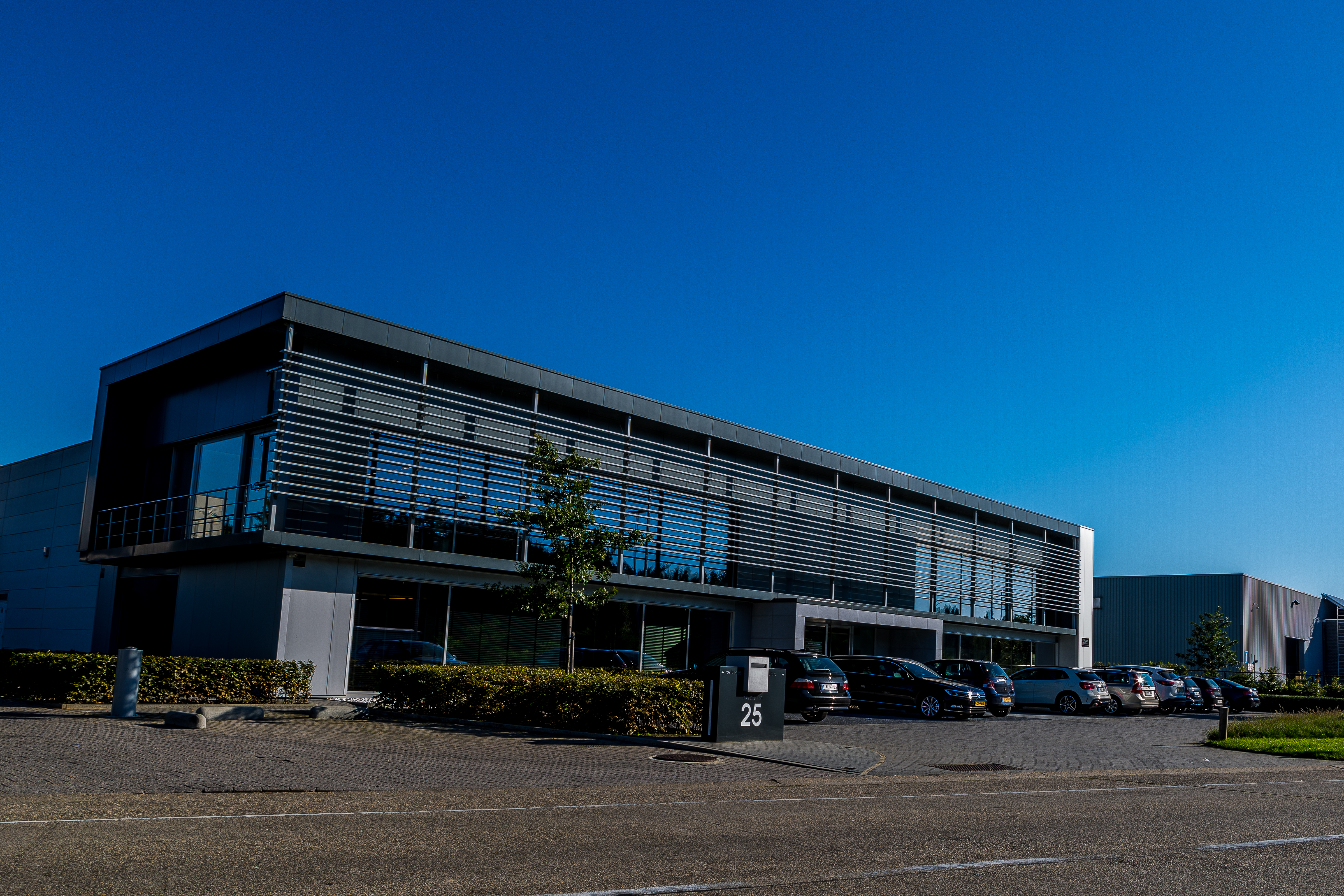 Office and warehouse Olen